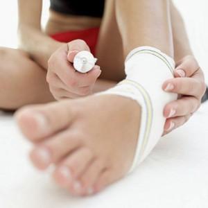 Мази хорошо помогают при ушибе ноги