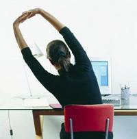 Гимнастику шейного отдела можно выполнять за рабочим местом